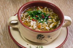 Куриный суп с жареной лапшой_DSC_5686