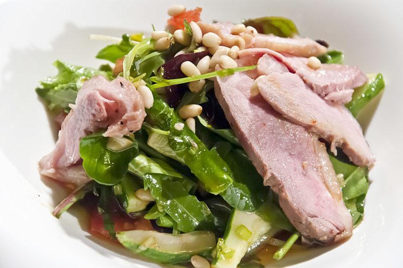 Азиатский салат из утки